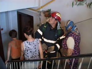 incendiu apartament hol