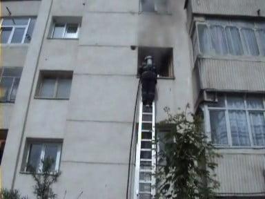 Incendiu apartament Falticeni 11.05.2008 001