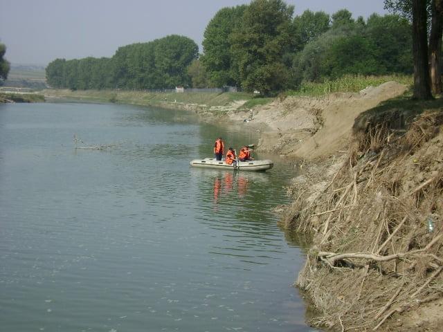 pompieri barca cautare disparut