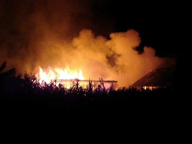 incendiu noaptea gospodarie