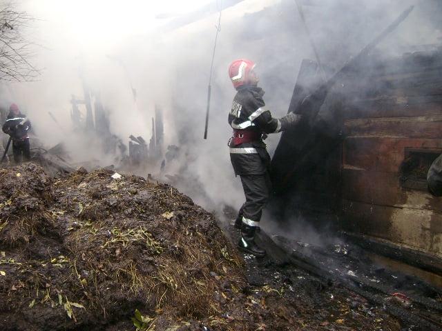 incendiu grajd