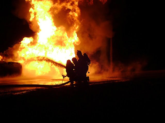 incendiu noaptea