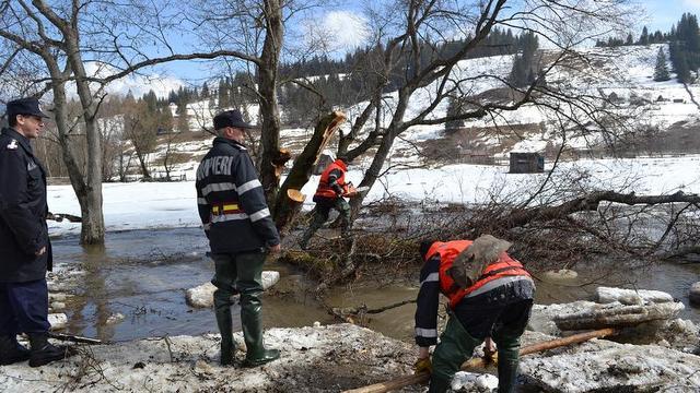 interventie pompieri gheturi 2