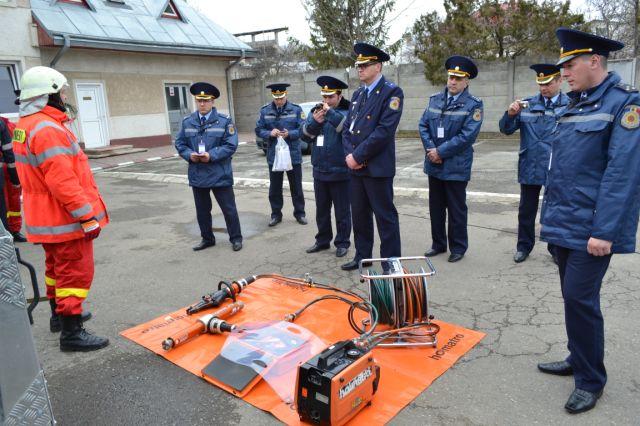 pompieri rep.moldova la isu 3
