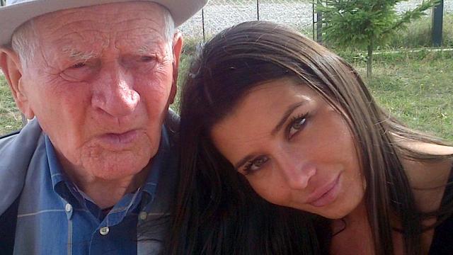 Elena Basescu cu bunicul