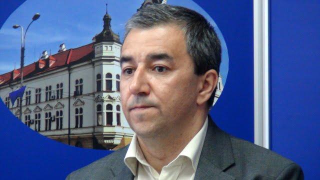 Florin Sinescu1