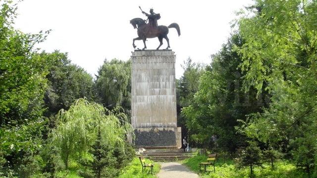 statuia ecvestra