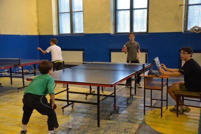 Tenis de masa concurs elevi