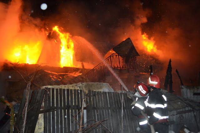 Incendiu bogdaneasa falcari ISU pompieri