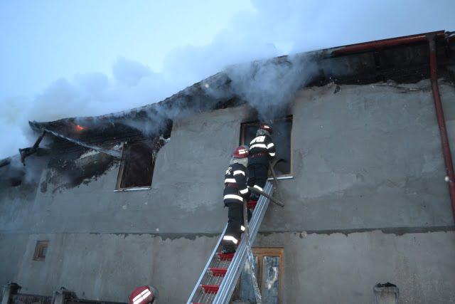 Incendiu bogdaneasa falcari ISU pompieri10
