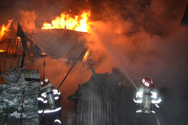 Incendiu bogdaneasa falcari ISU pompieri2