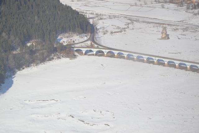 iarna coada lacului elicopter