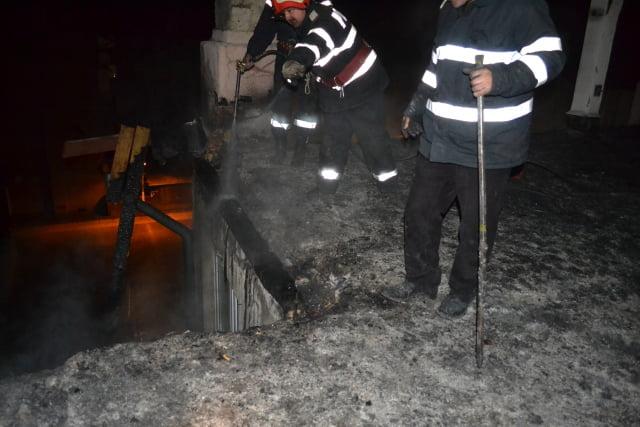 incendiu bloc brosteni 1