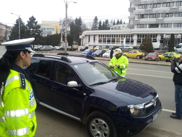 politist masina trafic