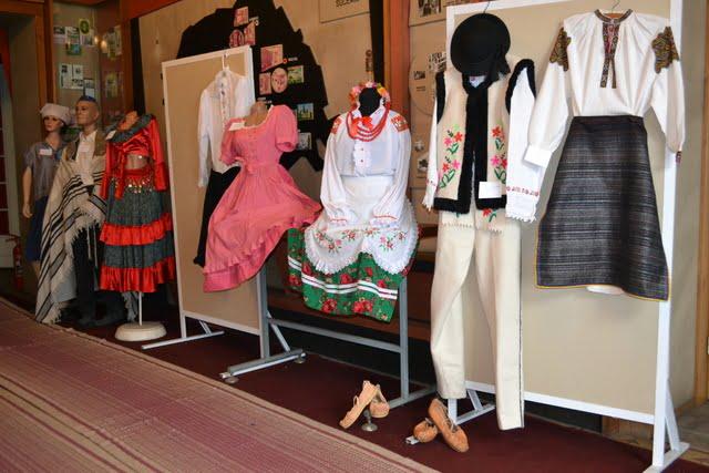 expozitie costume populare radauti (1)