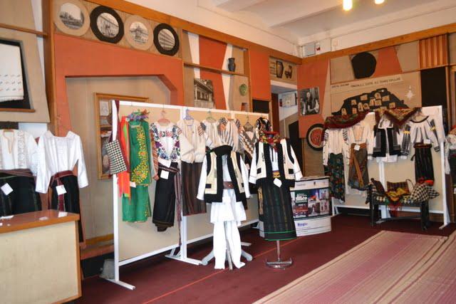 expozitie costume populare radauti 3