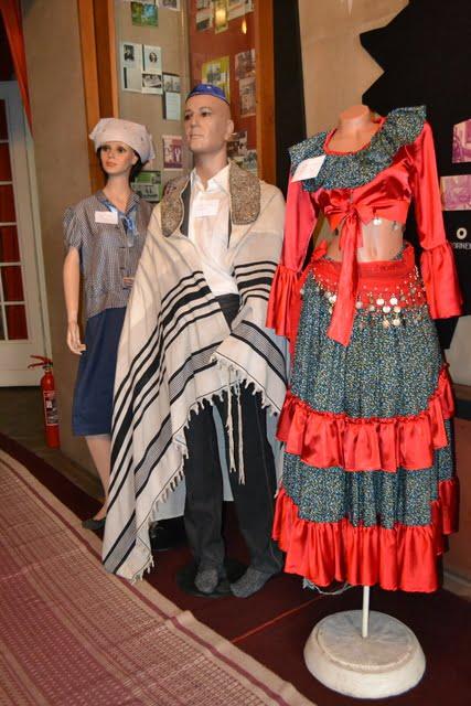 expozitie costume populare radauti