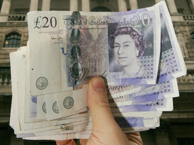 BRITAIN-FINANCE-ECONOMY-BANK-RATE-FOREX-MONEY