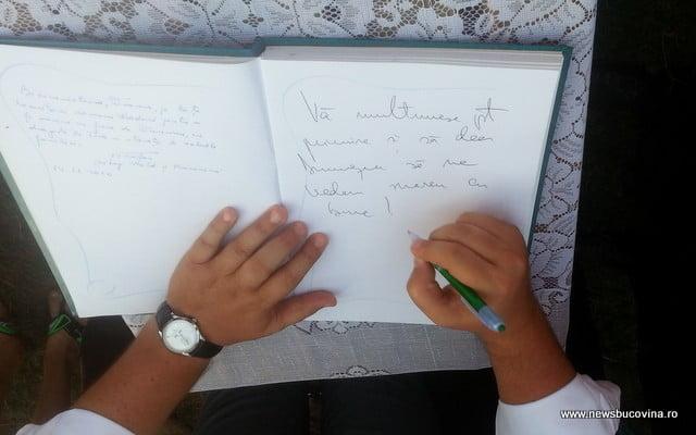 POnta mesaj in carte de onoare la Hutani
