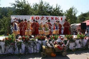 Muzica şi dansurile tradţionale au încheiat manifestarea de sâmbătă