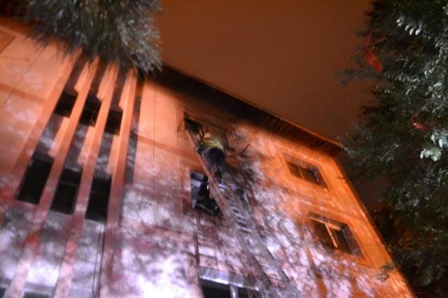 incendiu garsoniera bloc (10)
