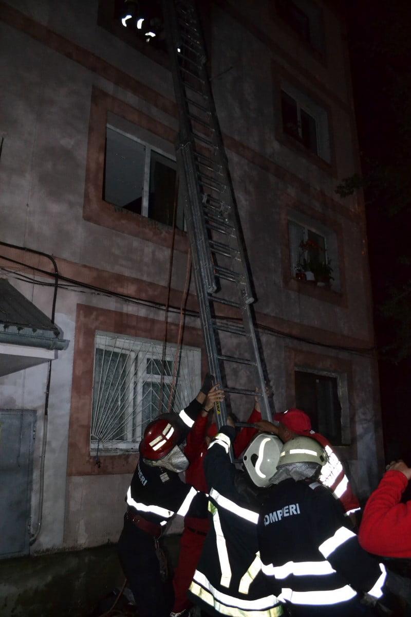 incendiu garsoniera bloc (7)