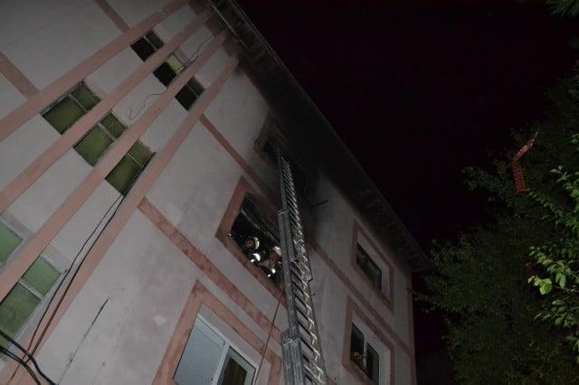 incendiu garsoniera bloc (9)