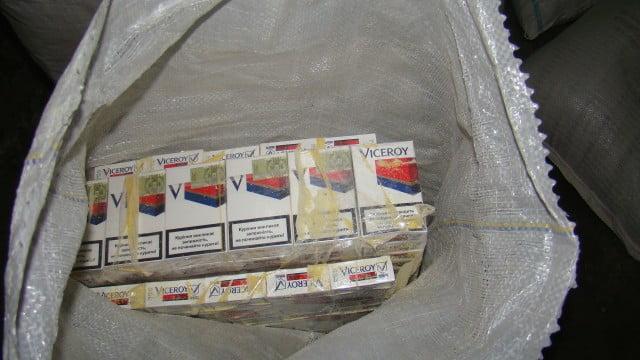 tigari de contrabanda in saci de faina (4)