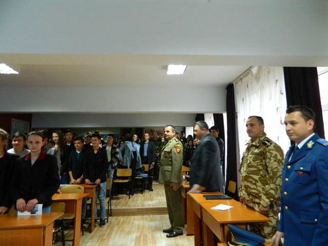 ziua armatei la liceul cajvana (1)