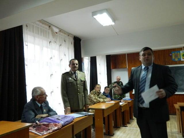 ziua armatei la liceul cajvana (2)