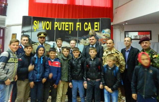 ziua armatei la liceul cajvana (8)