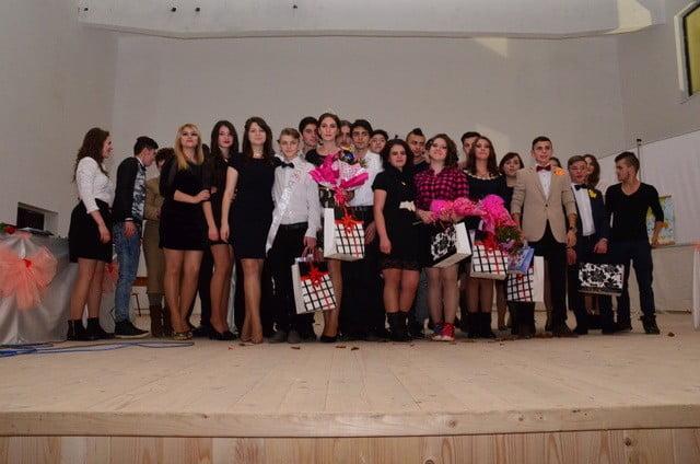 bal Liceul Tehnologic Brosteni (21)