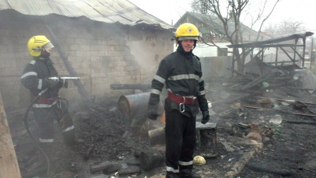 incendiu casa pompieri isu interventie (13)