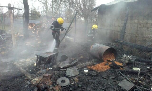 incendiu casa pompieri isu interventie (6)