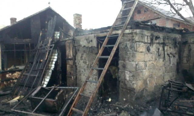 incendiu casa pompieri isu interventie (7)