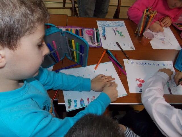 Atelier de desen-creioane colorate-Maria Vasilache-Sc. Al. I. Cuza, Falticeni (11)