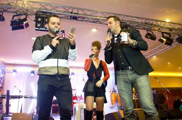 Iulius Mall Suceava 03 concert holograf (1)