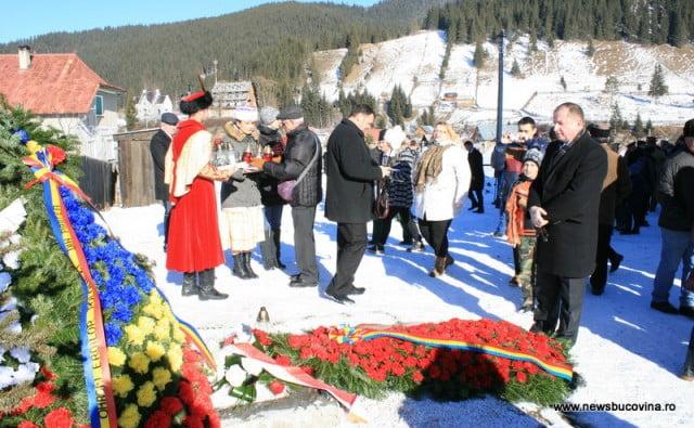 ambasadorul poloniei s-a recules la monumentul ostasilor cazuti la Carlibaba
