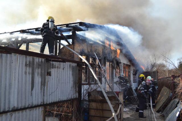 atelier mobila incendiu (1)