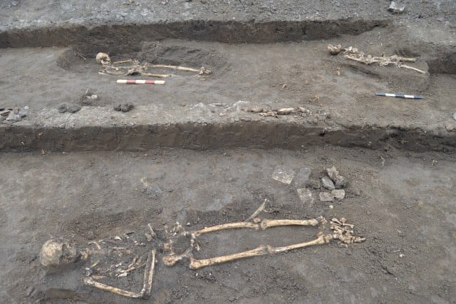 descoperire arheologica biserica sf simion turnul rosu (13)