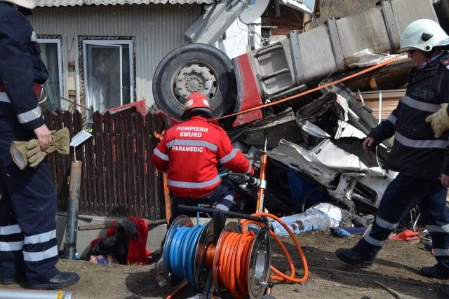 accident camion prisaca dornei pompieri isu macara (3)