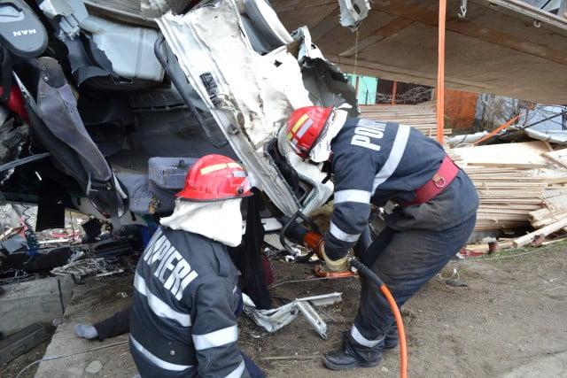 accident camion prisaca dornei pompieri isu macara (8)
