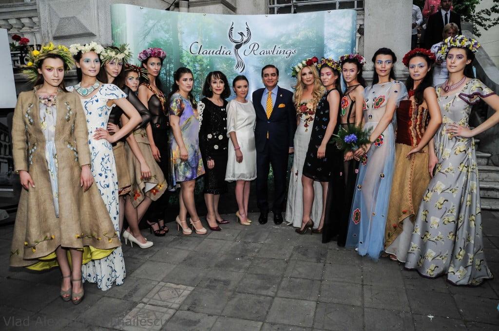 Claudia Rawlings   colectie vestimentara motive florale din Bucovina (4)
