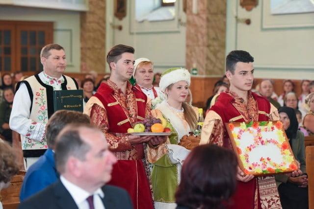 polonezi la Sf Liturghie de la Solonetu Nou (2)
