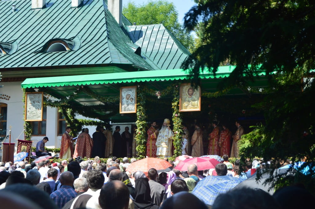 IPS Teofan procesiune pelerinaj hram sf ioan (15)