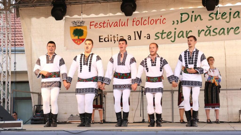 """Festivalul folcloric """"Din stejar, stejar răsare"""" (1)"""