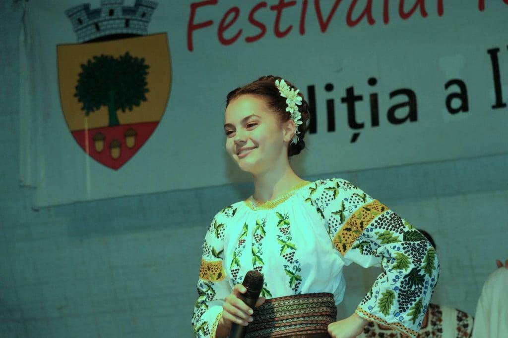 """Festivalul folcloric """"Din stejar, stejar răsare"""" (2)"""