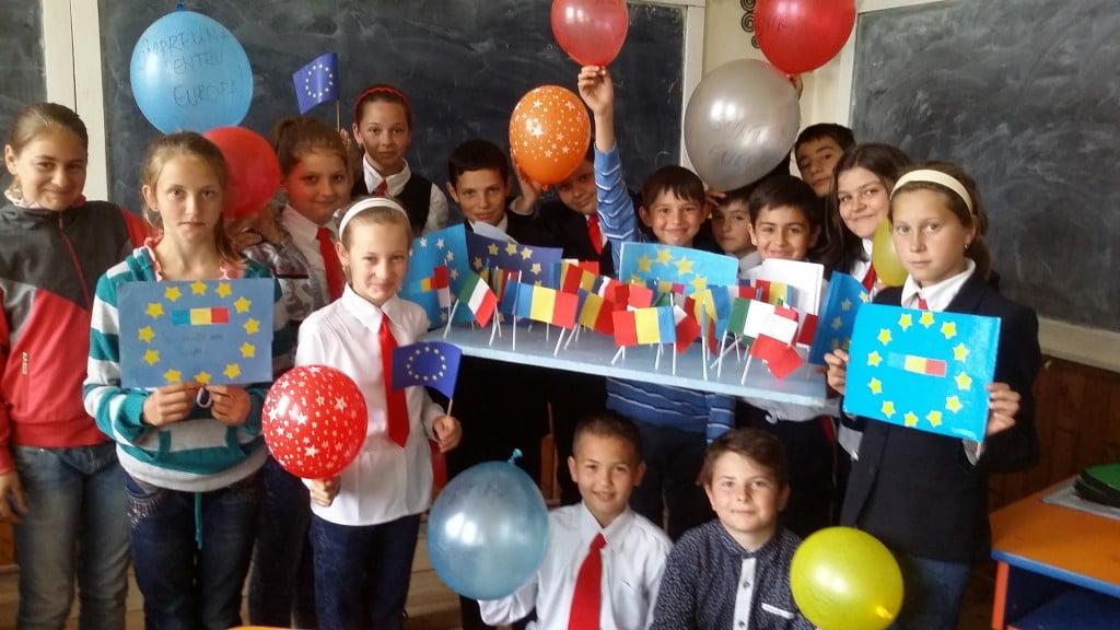 """elevi Campania """"Europa, casa noastră"""" todiresti (5)"""