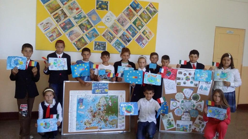 """elevi Campania """"Europa, casa noastră"""" todiresti (6)"""