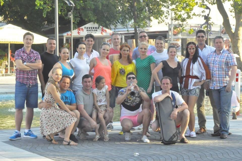 flash-mob targul de turism al bucovinei de la mamaia - ansamblul ciprian porumbescu (5)